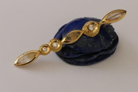 Goldbrosche von Enzo Arduini