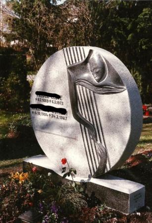 Grabstein aus Granit von Enzo Arduini