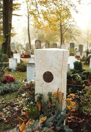 Grabstein aus Marmor von Enzo Arduini